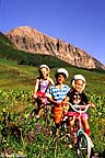 Children mountain biking in Mt. Crested Butte